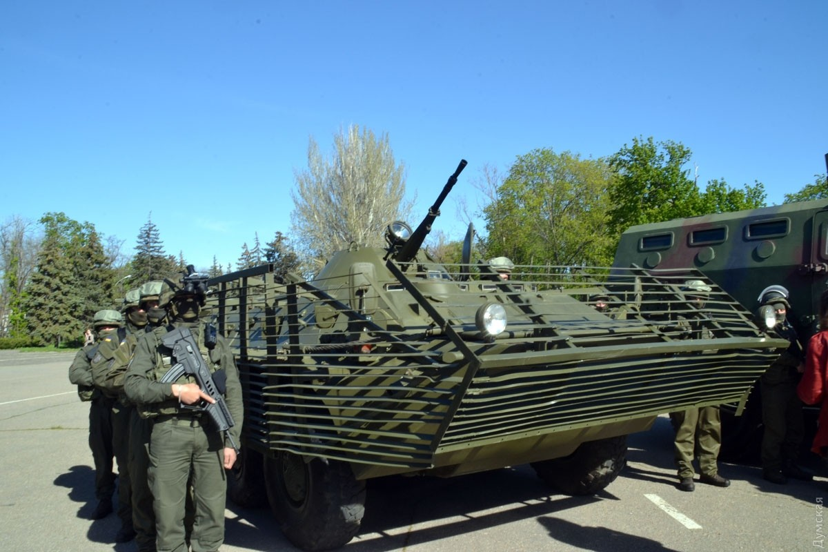 Накануне майских праздников наКуликовом поле прошел строевой смотр правоохранителей
