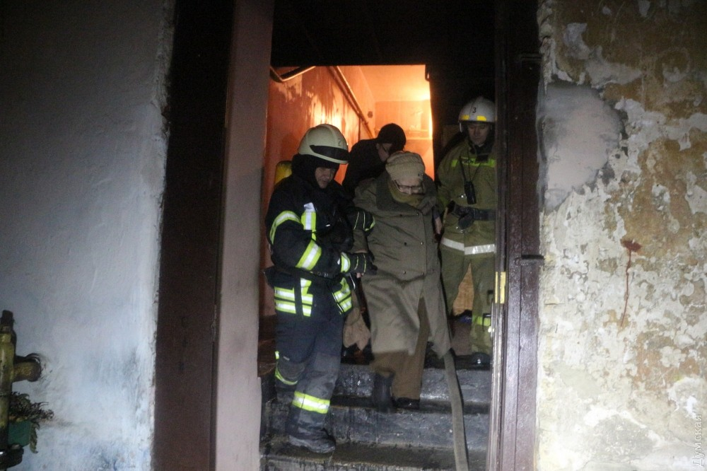 Вцентре Одессы напожаре едва непогибла пенсионерка