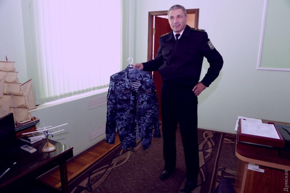 «Как уохранника вмагазине»,— винтернете высмеяли новейшую форму украинских моряков