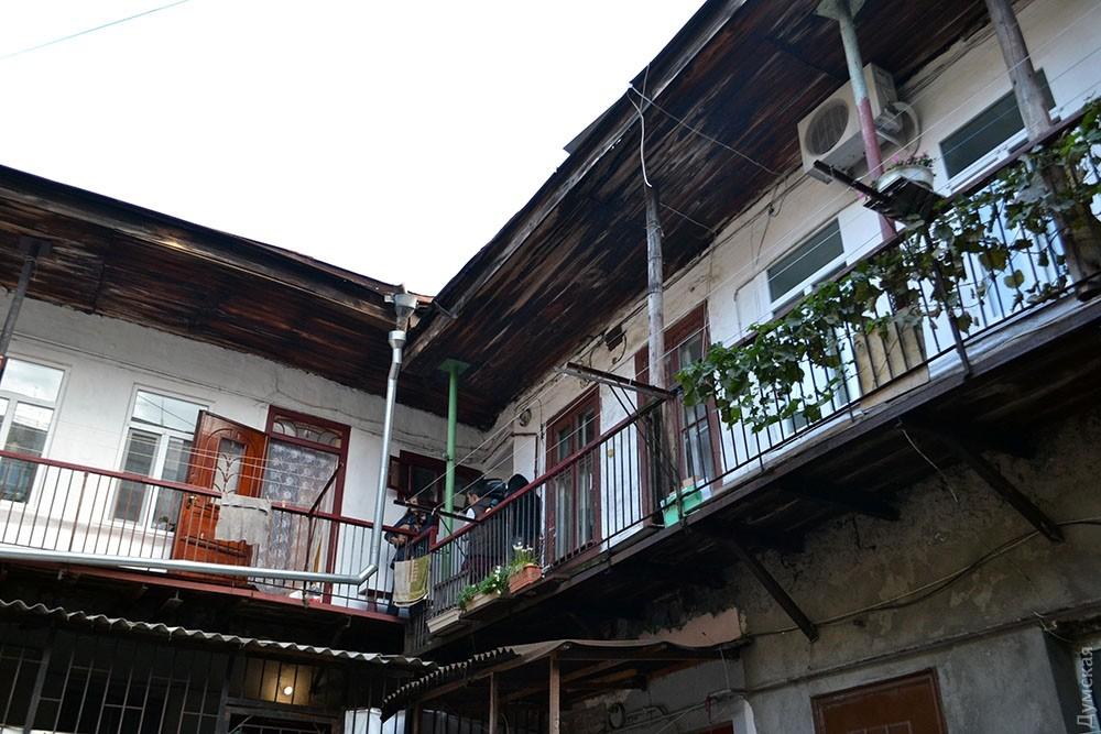 ВОдессе встаром жилом доме рухнула стена