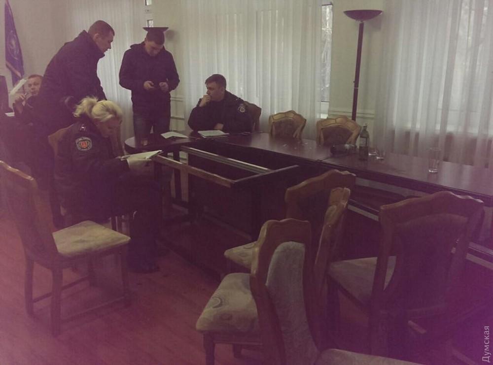 Погром вмногоэтажном здании Одесской таможни: задержаны 20 человек