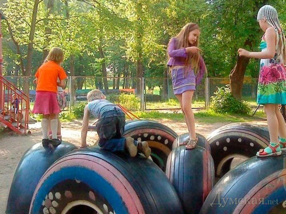 Детская площадка своими руками фото из шин