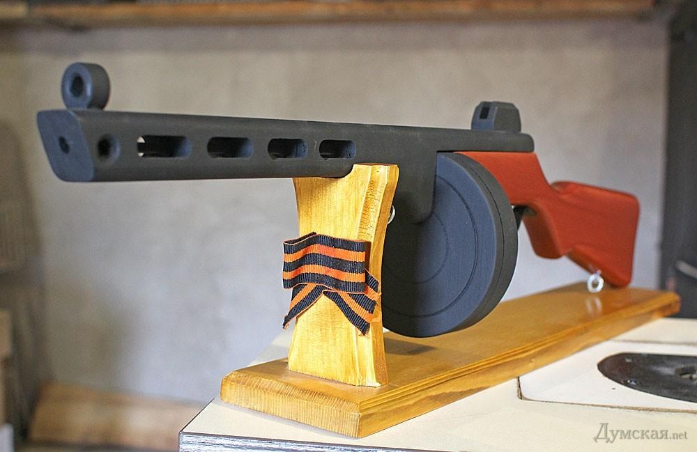 Как сделать пулемет максим из дерева своими руками