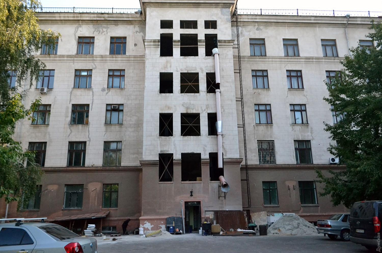 В Одессе собираются сдавать в аренду Дом профсоюзов, где неонацисты сожгли десятки людей