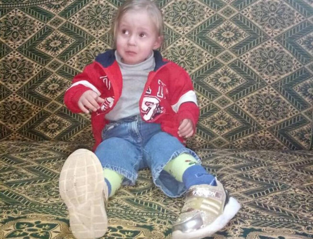 ВМалиновском районе отыскали потерявшуюся 2-летнюю девочку