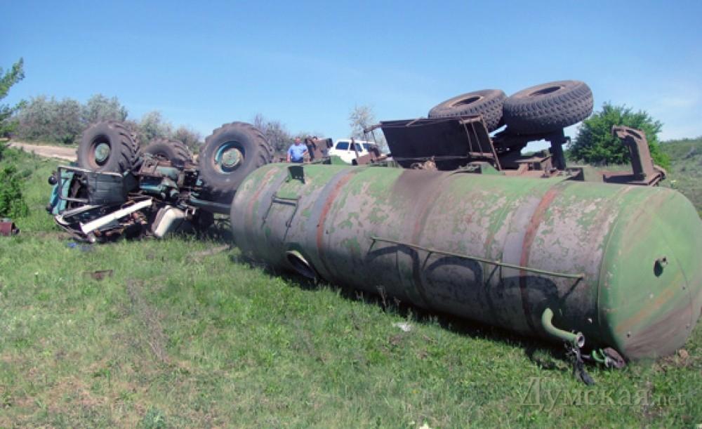 В Одесской области перевернулся трактор с прицепом: погибли два ...