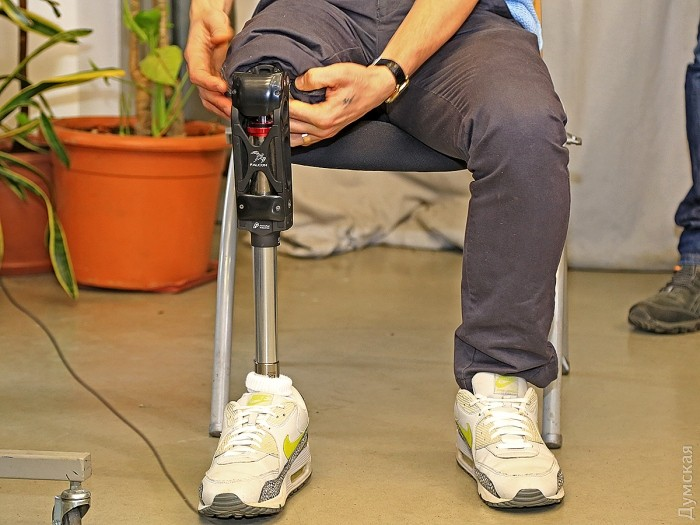 Правая нога бывшего хореографа и морпеха Виктора Кардаша