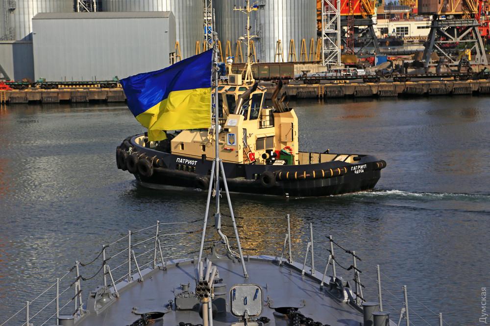 """Крейсер """"Украина"""" нужно продать, а вырученные деньги вложить в производство корветов, - Полторак - Цензор.НЕТ 679"""