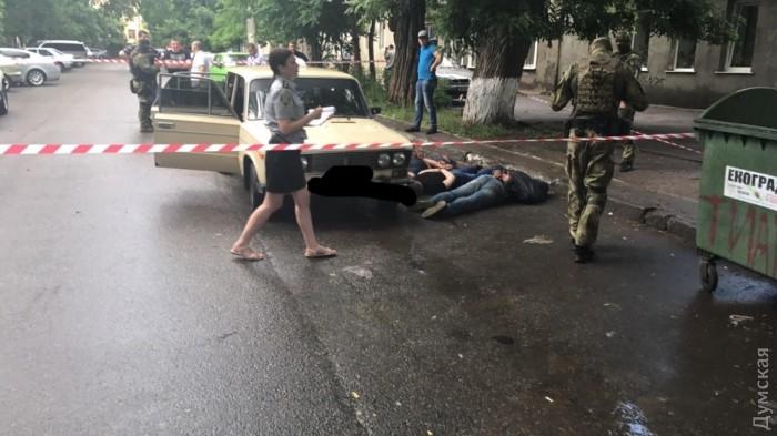 picturepicture_49884580189364_20226 В Одессе работал спецназ: бандитов скрутили