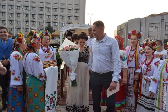 Молодожены Руслан и Галина Шульга