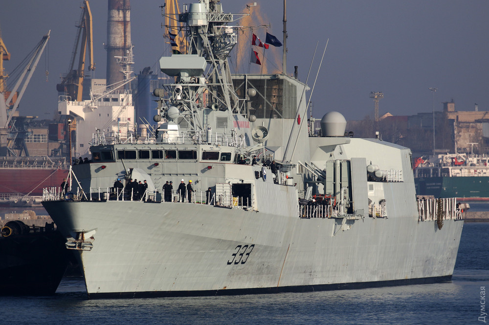 """Канадский фрегат """"Торонто"""" в одесском порту"""
