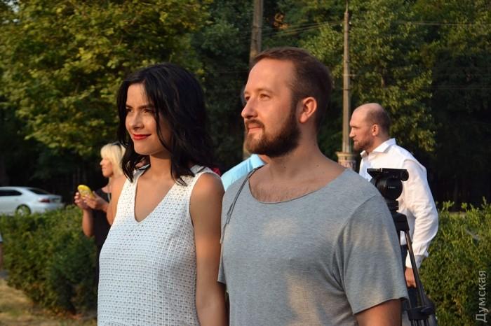 Юрий и Наталья Волковы расписались первыми в моментальном круглосуточном ЗАГСе