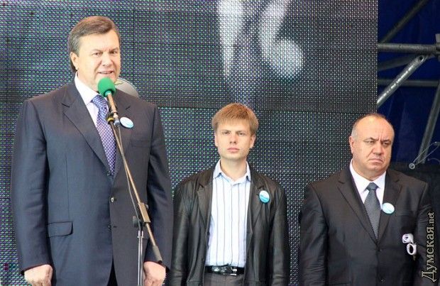 """Міськрада Харкова просить волонтерів добровільно прибрати намет """"Все для перемоги"""" - Цензор.НЕТ 4767"""