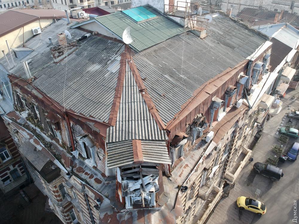 Гоголя, 7. Состояние крыши ужасает