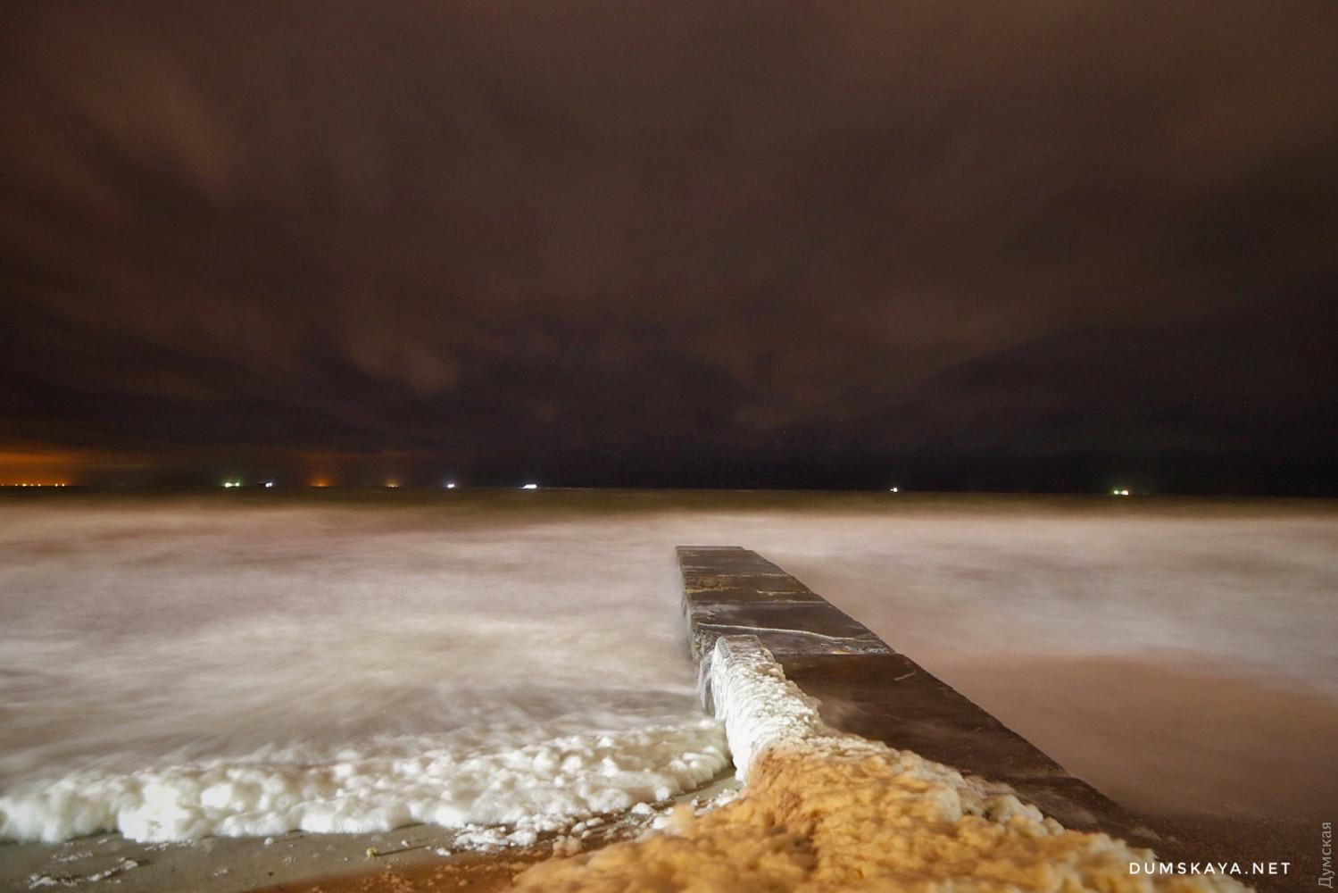Вот так выглядит море сейчас. Фото Александра Гиманова