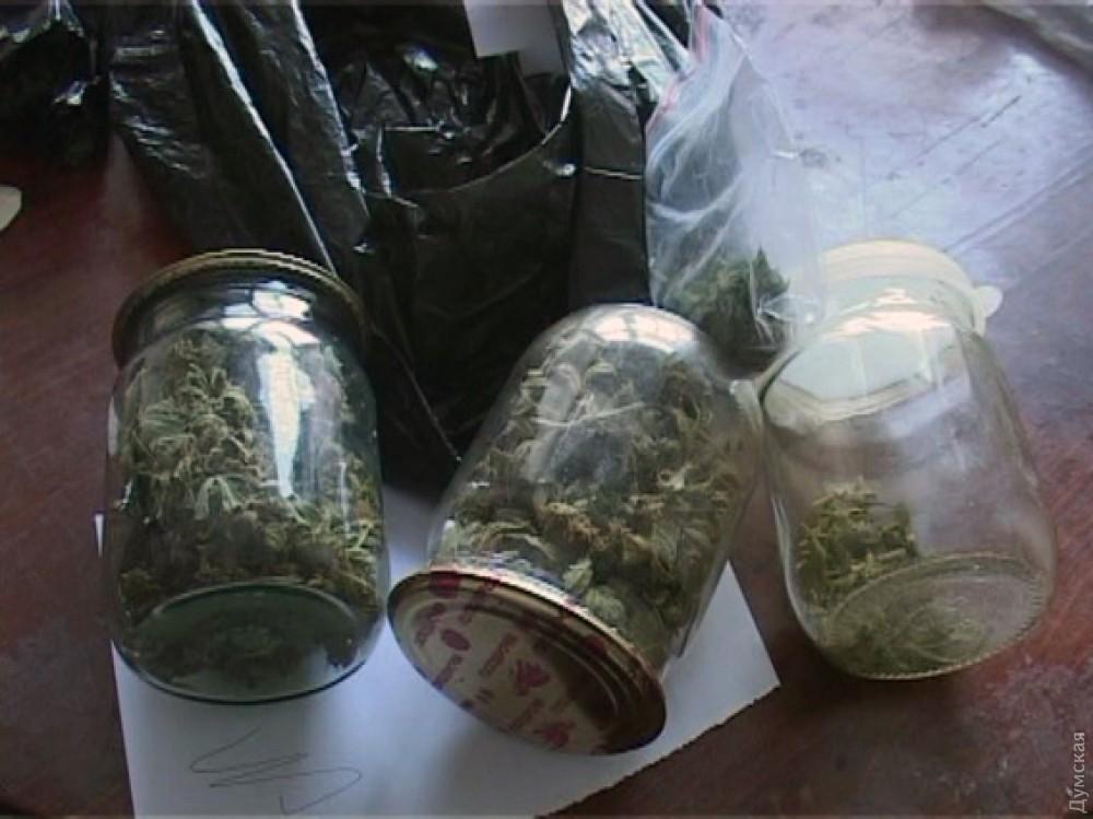 Курить семена марихуаны марихуана в дизайне