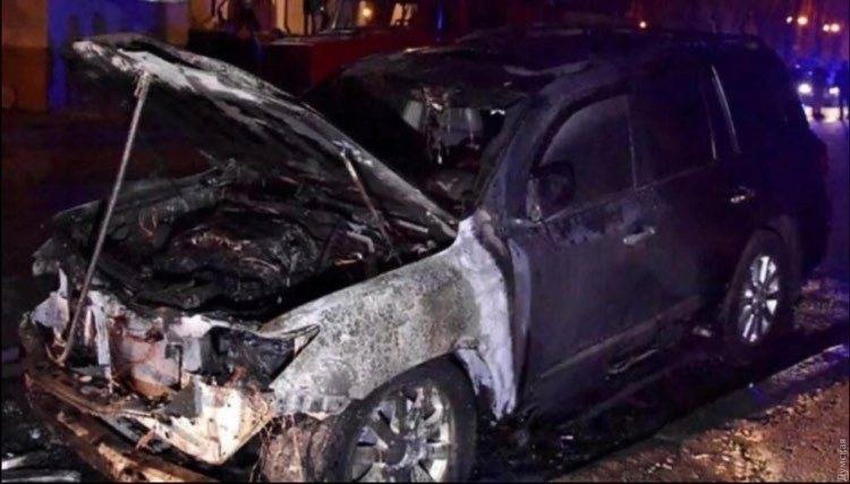 Пожарного подозревают в поджоге элитных авто. Фото: Думская