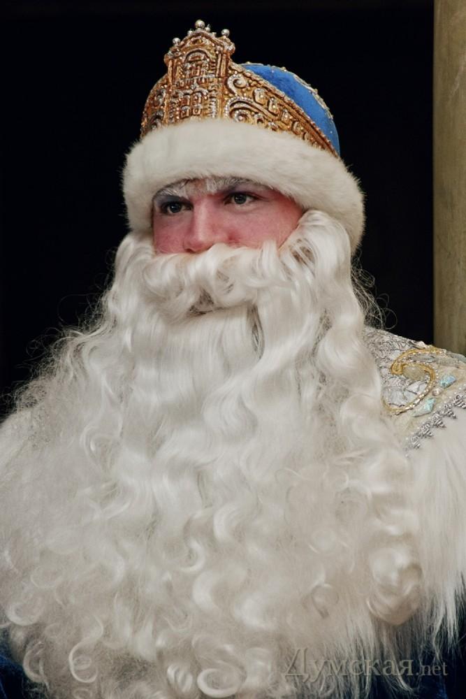 4569921685e8 В Одессе появились Дед Мороз и Снегурочка в нарядах «от кутюр».  Дизайнерские костюмы Деда ...