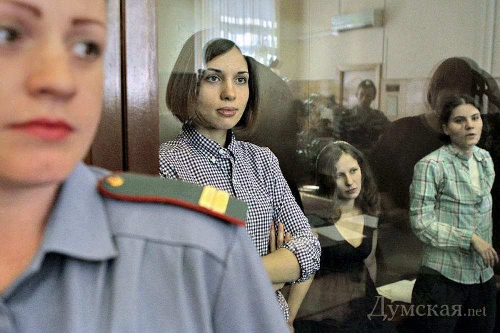 Русская девочка жестко трахается видео порно