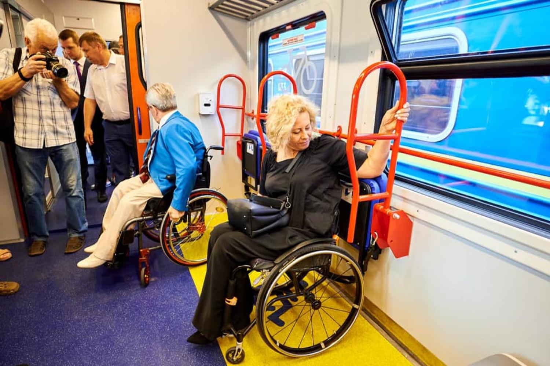 «Укрзалізниця» презентовала первый пригородный инклюзивный поезд  , фото-7