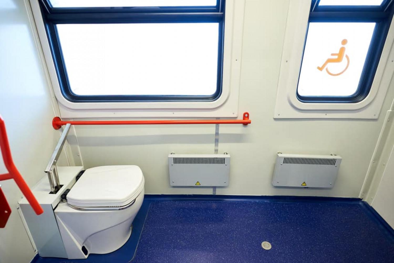 «Укрзалізниця» презентовала первый пригородный инклюзивный поезд  , фото-8