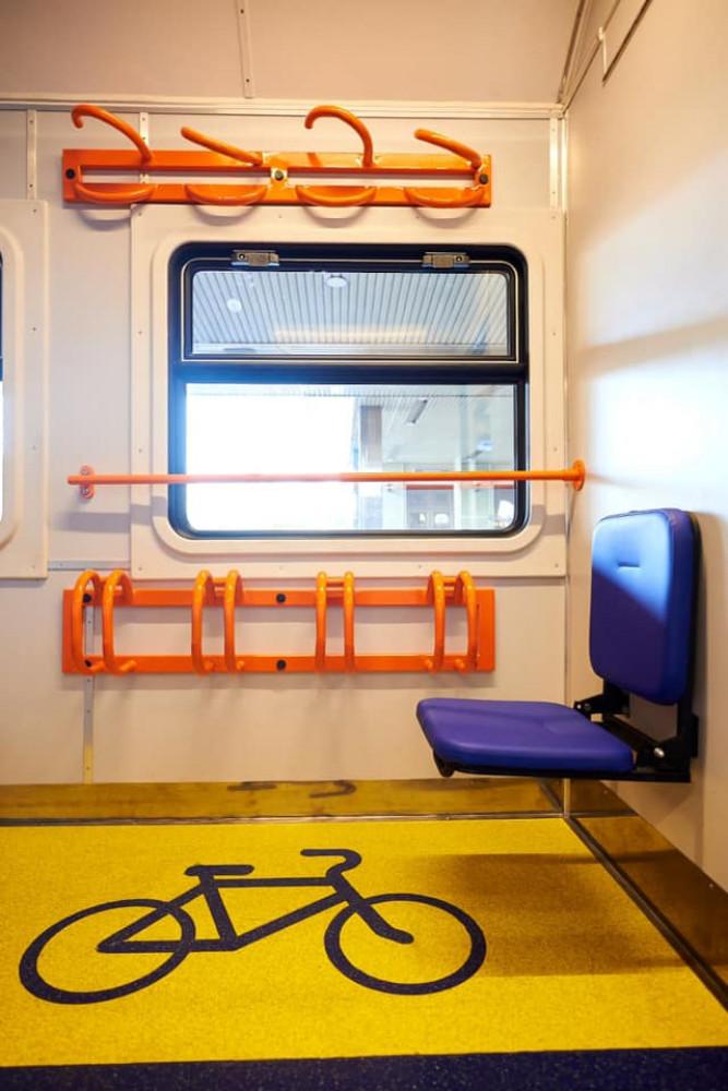 «Укрзалізниця» презентовала первый пригородный инклюзивный поезд  , фото-5
