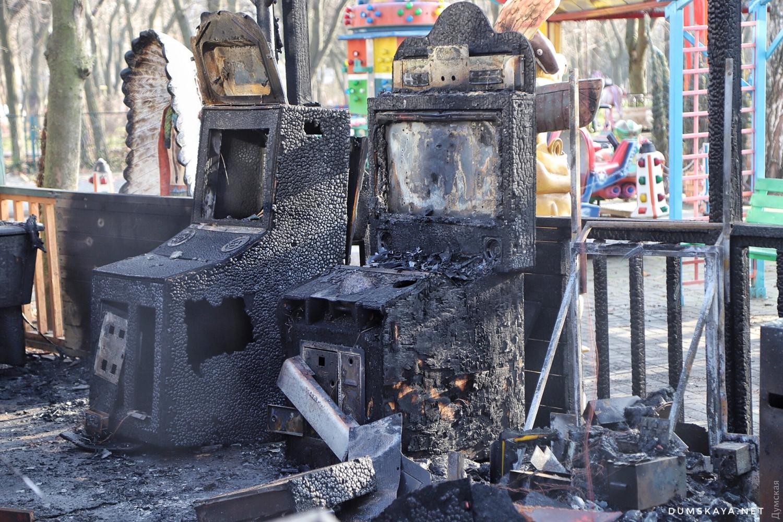 Пожар в Одессе: сгорело два аттракциона - 6