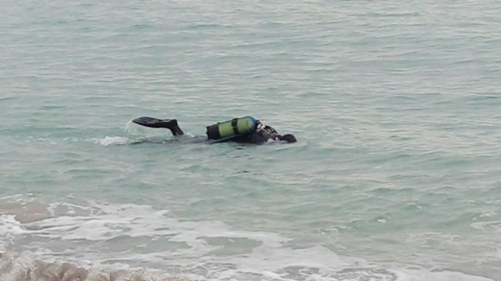 Картинки по запросу проверка дна на одесских пляжах