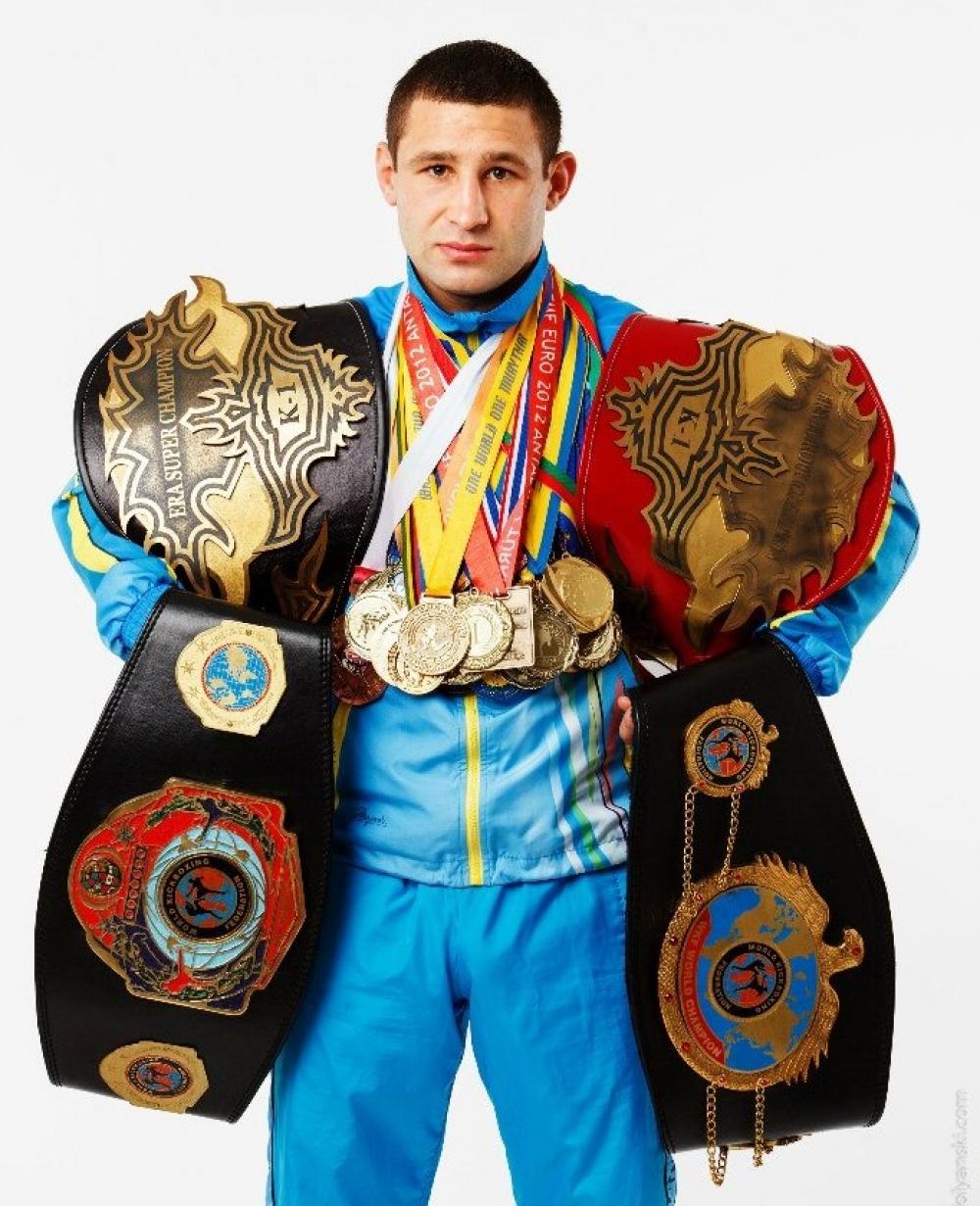 чемпионы мира по кикбоксингу фото самыми